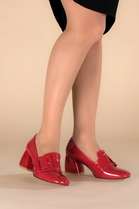 "Schuhe ""Red Shine"""
